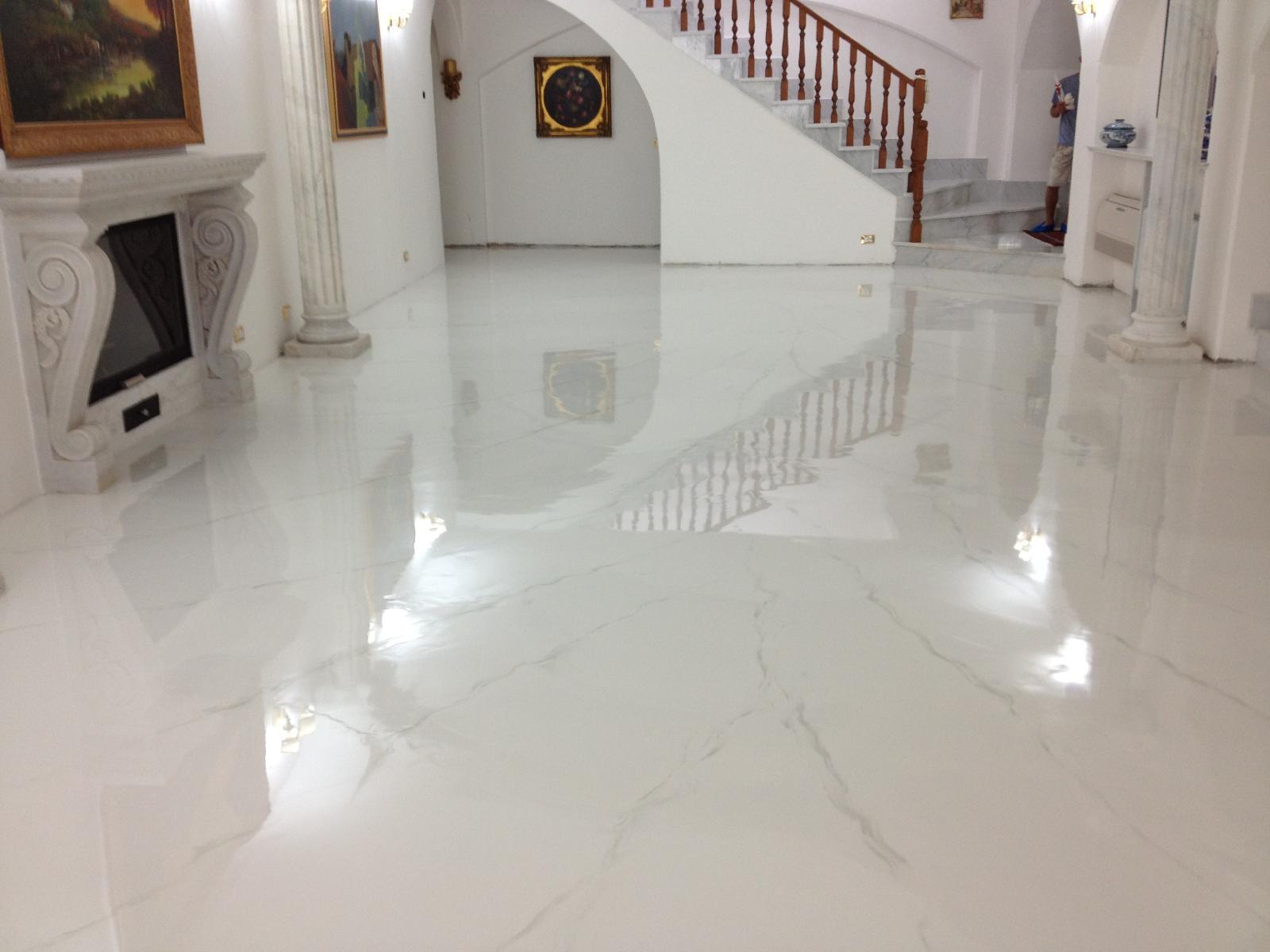 Pavimento esterno resina. pavimento in resina per un ambiente di