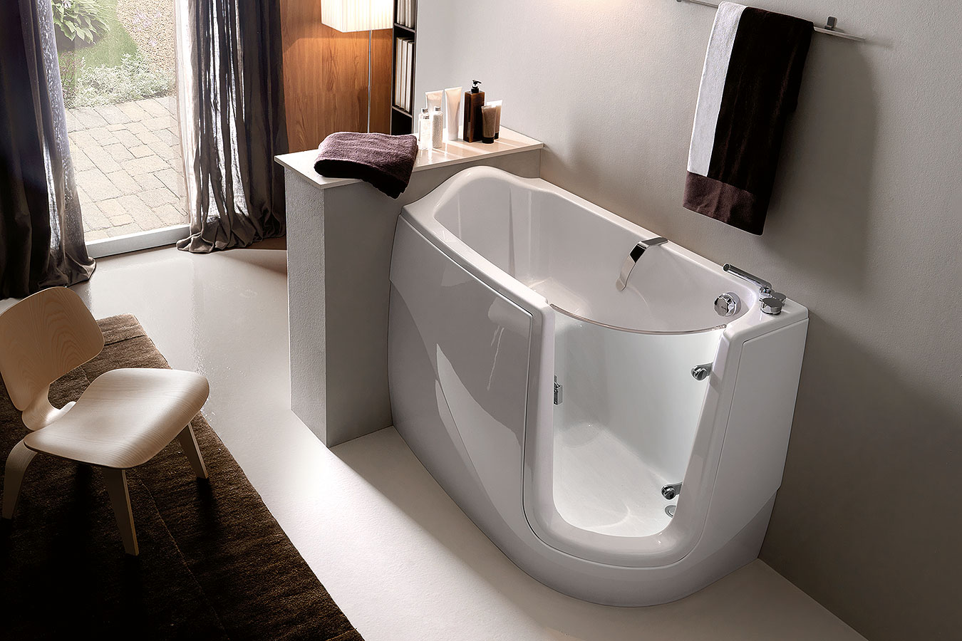 Bagni moderni con vasca idromassaggio : bagni bianco e rosso ...