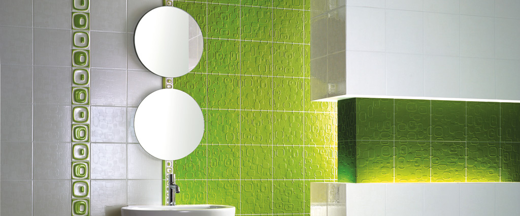 Idee Per Bagno Verde: Bagno grigio e verde acqua rivestimenti.