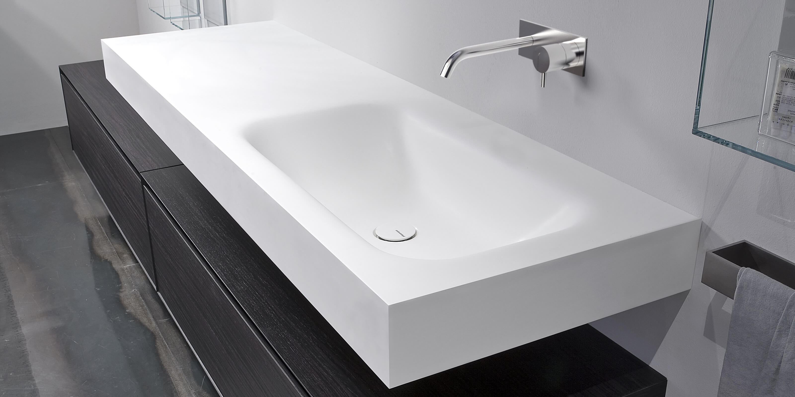SEGNO  Top con Lavabo Integrato in Corian    Antonio Lupi
