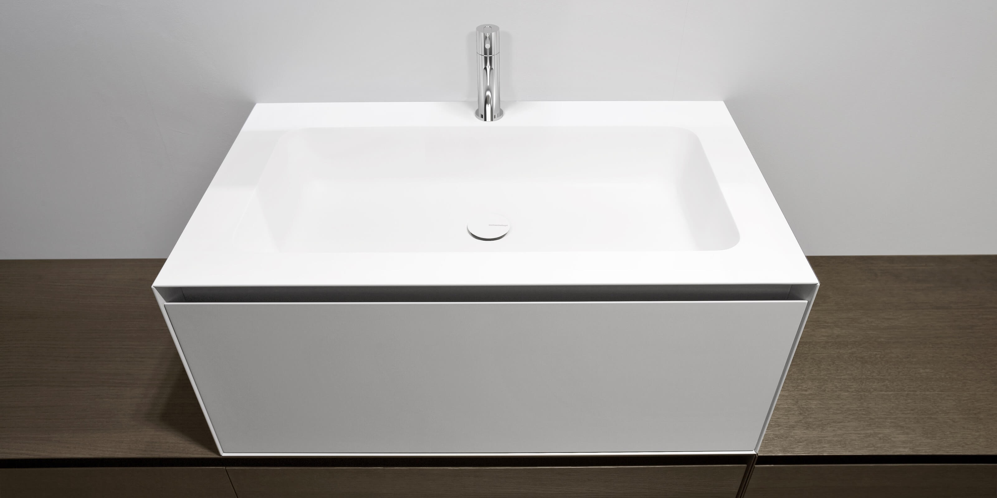 ARCO  Top con Lavabo Integrato in Corian    Antonio Lupi